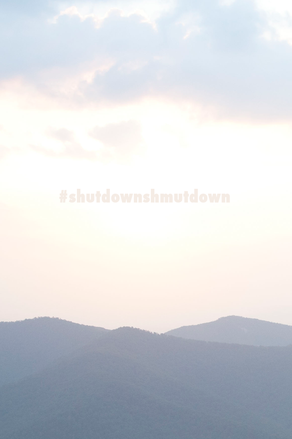 let's help small businesses make up their loss from the government shutdown -- visit a park, eat at an independent restaurant, buy something fun... help out however you can! Use the hashtag #shutdownshmutdown when you do!