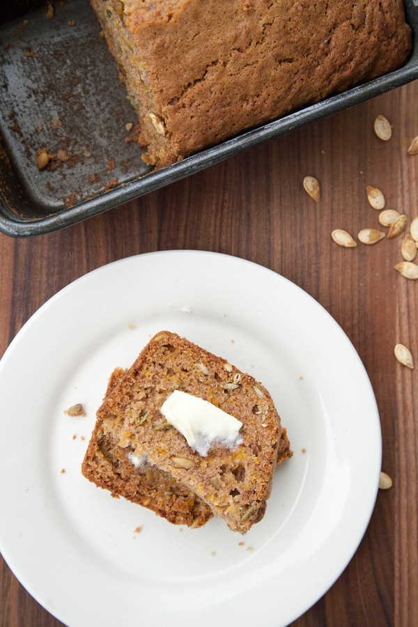 fresh pumpkin bread recipe / a thousand threads
