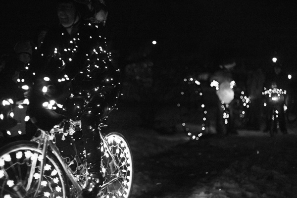 holiday light ride / a thousand threads