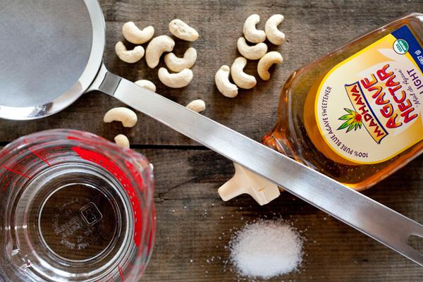 homemade cashew milk / a thousand threads