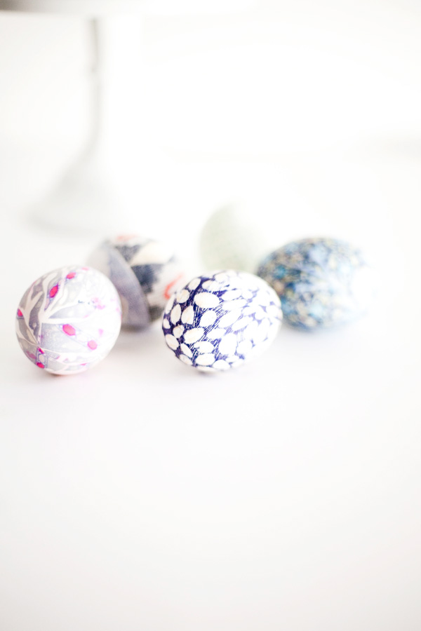 diy silk dyed easter eggs // a thousand threads
