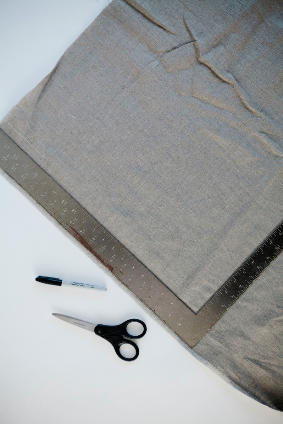 diy linen napkins // a thousand threads