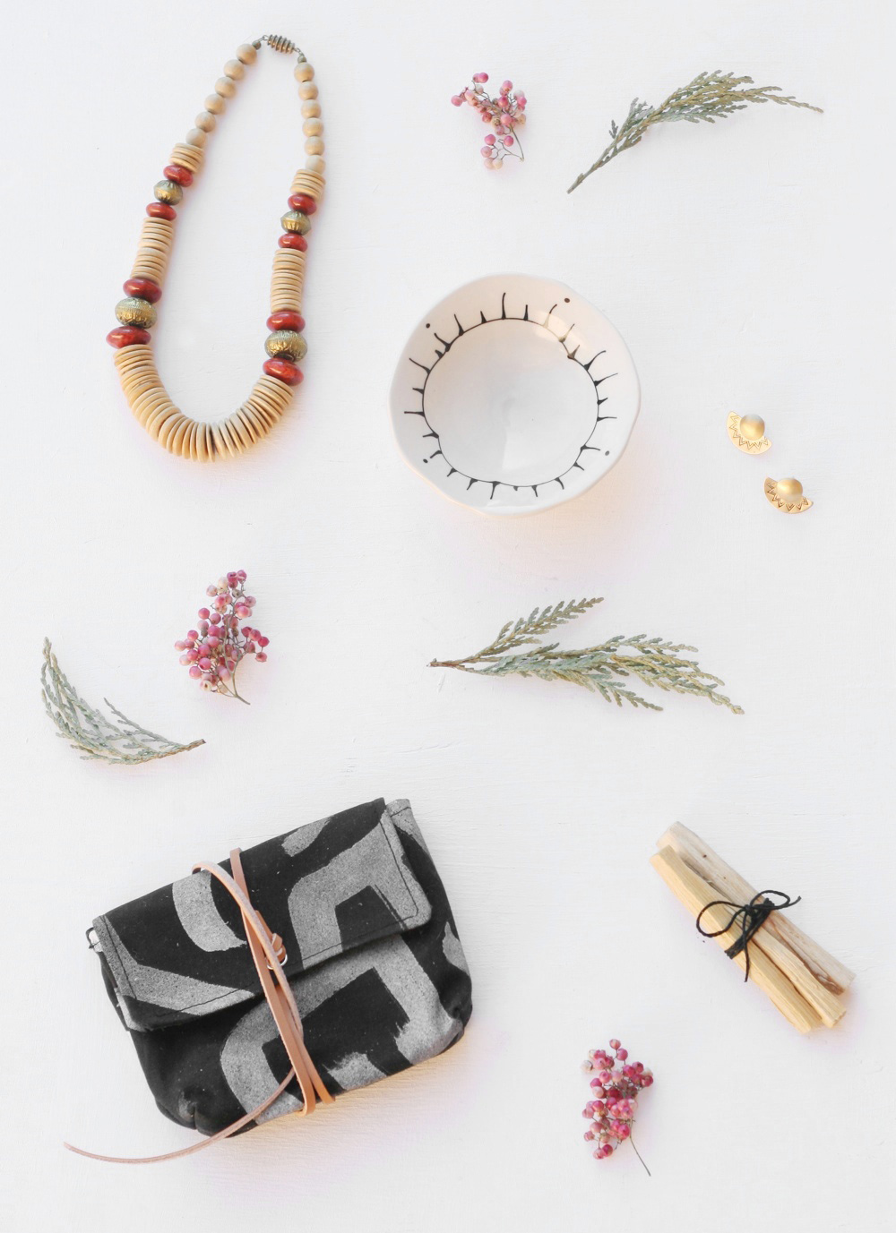 everything golden + a thousand threads // dream shop collective giveaway
